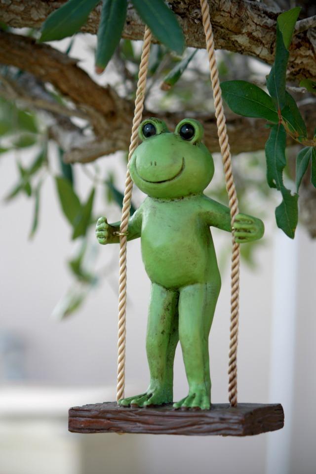 swinging frog